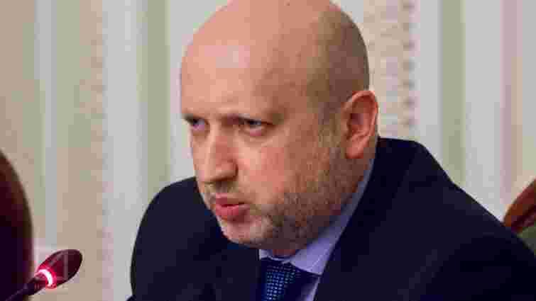 Путін готує масштабну військову операцію на Донбасі, - Турчинов