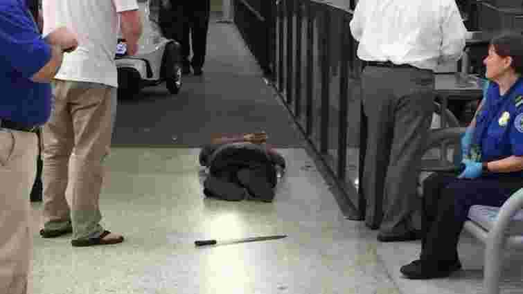 У Новому Орлеані чоловік напав на працівників аеропорту з мачете