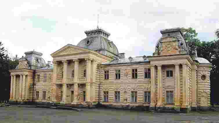 На Львівщині сталася пожежа у палаці польського графа Бадені