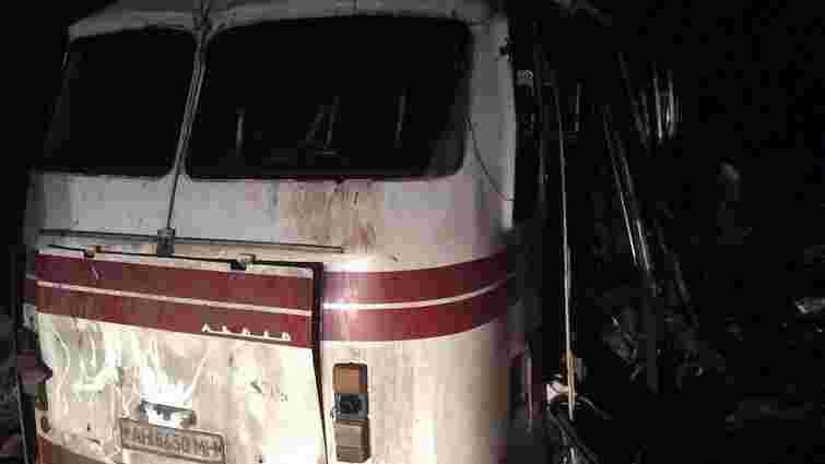 Внаслідок підриву автобуса під Артемівськом загинули четверо людей