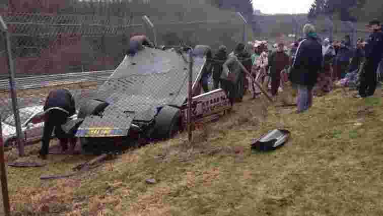 На автоперегонах у Німеччині авто влетіло у натовп глядачів, одна людина загинула