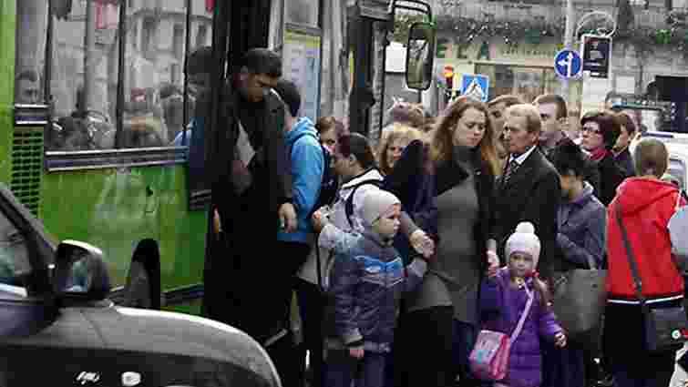 Міськрада дозволила пільговий проїзд без обмежень чотирьом категоріям пасажирів
