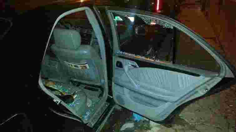 Вночі у центрі Львова «на гарячому» затримали двох автокрадіїв
