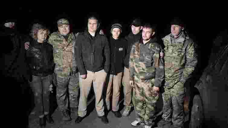 З полону бойовиків звільнили двох бійців ЗСУ