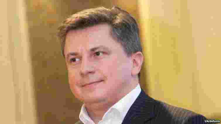 Сина Азарова оголосили у розшук