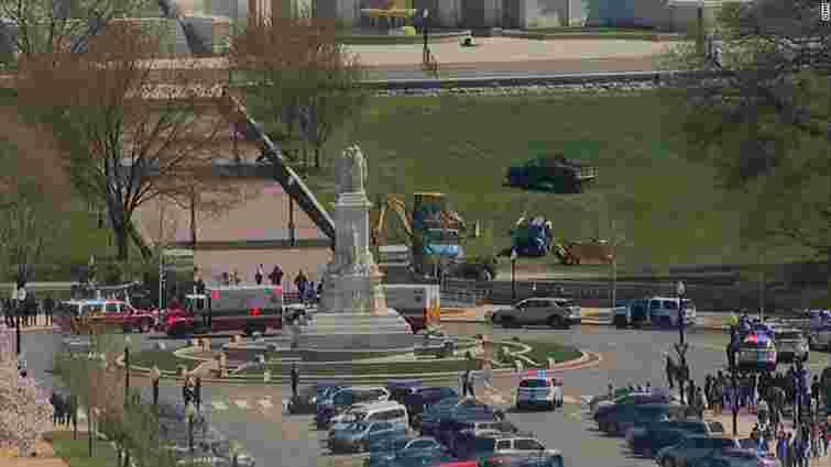 У Вашингтоні невідомий чоловік влаштував стрілянину біля Капітолію