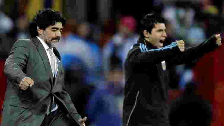 Дієго Марадона відлупцював стюарда під час «матчу миру» в Колумбії (відео)