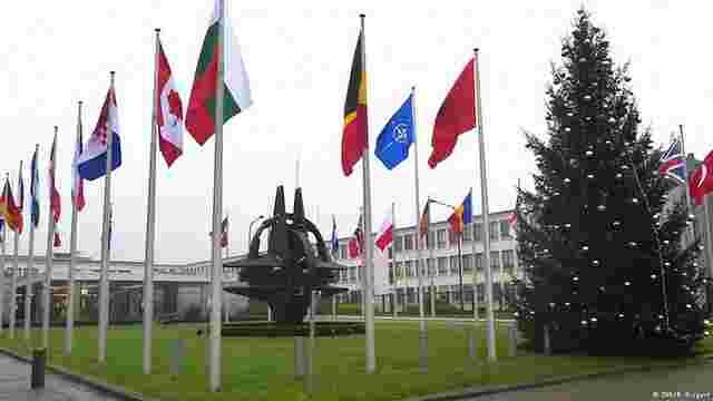 Росію попросять скоротити чисельність делегації в НАТО