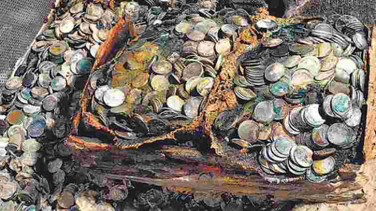 Британські археологи підняли з дна океану 100 тонн загубленого срібла