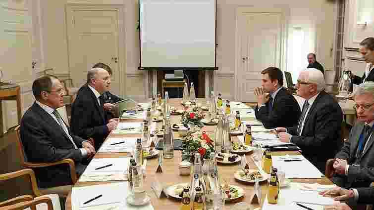 Експерти вважають, що РФ нав'язала свої правила Україні у форматі «нормандської четвірки»