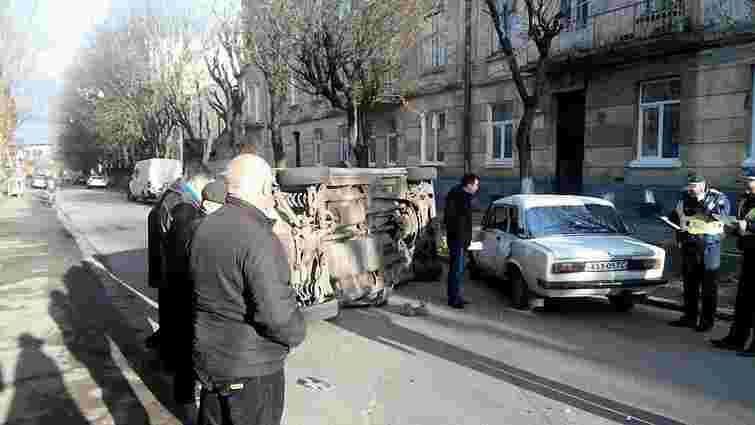 У Львові під час ДТП розбили три автомобілі