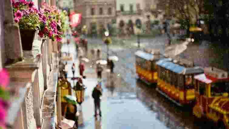 Львівське небо метатиме блискавиці та рясно поллє землю квітневим дощем