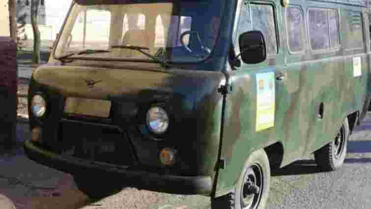 На Луганщині терористи обстріляли медичний автомобіль, загинув один військовий