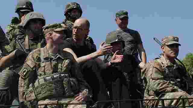 У серпні в Україну прибудуть канадські військові інструктори, – Яценюк