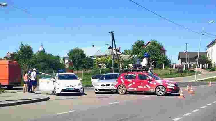 У передмісті Львова потрапив в аварію Google-мобіль