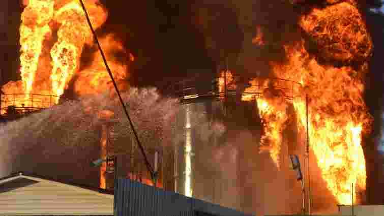 Під час пожежі на нафтобазі під Києвом загинули четверо рятувальників, – ЗМІ