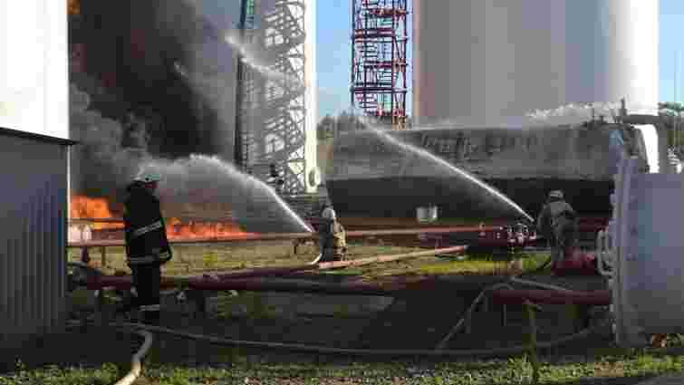 Внаслідок пожежі на нафтобазі під Києвом загинула одна людина, 14 постраждали, – МВС