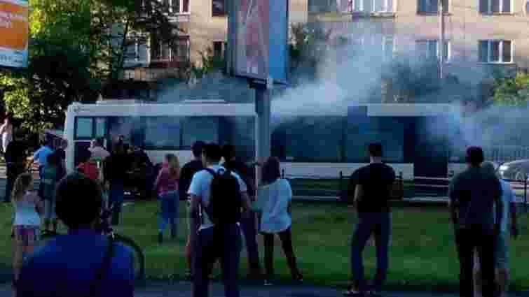 У Львові під час руху загорівся автобус №31: обійшлося без жертв