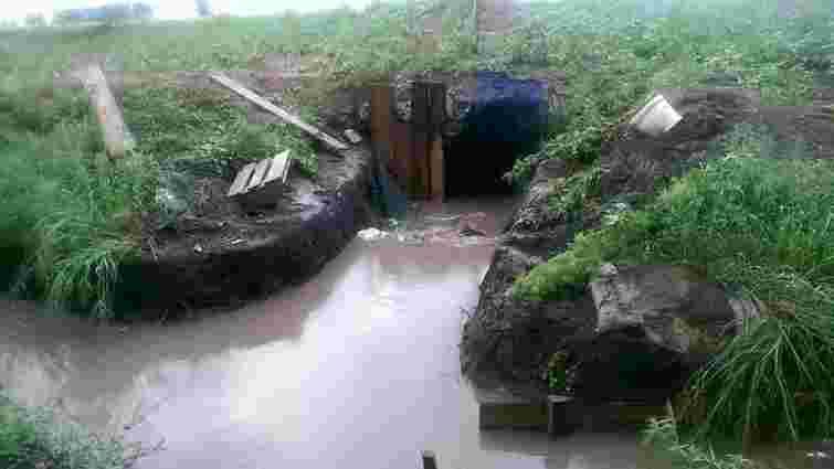 Злива затопила бліндажі і блок-пости біля Маріуполя (фото)