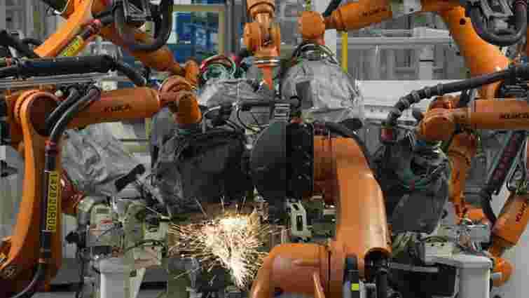 У Німеччині робот убив працівника на заводі Volkswagen, - FT