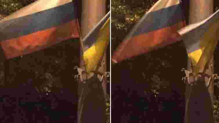 На честь візиту болгарського президента у Києві помилково вивісили російські прапори