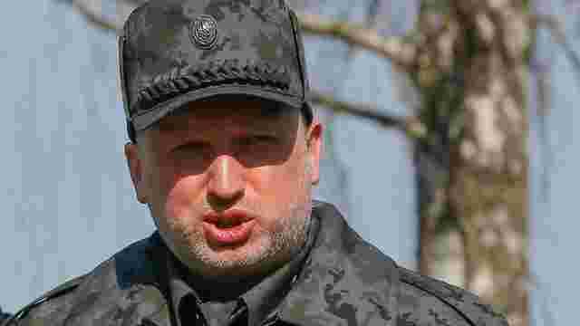 Турчинов порадив російським окупантам забратися з Криму