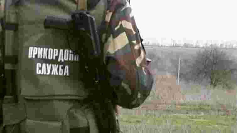 На Рівненщині через нелегальних добувачів бурштину виникла масова сутичка з силовиками (відео)