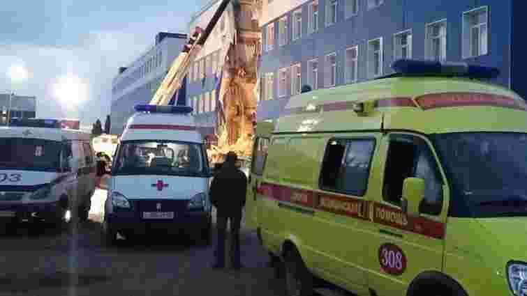 Через обвал казарми в російському Омську загинуло 19 військових