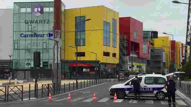 Поліція звільнила 18 заручників з крамниці під Парижем