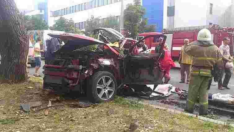 У центрі Донецька вибухнув автомобіль, за кермом якого була жінка