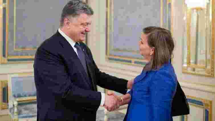 Нуланд прибула у Верховну Раду перед голосуванням про особливий статус Донбасу