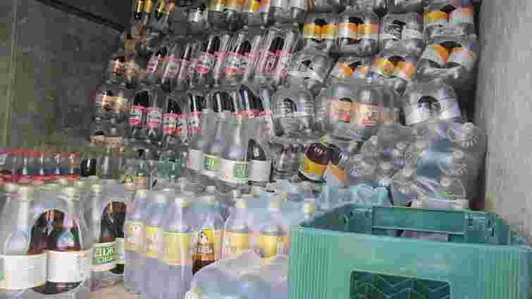 Прикордонники затримали вантажівку з трьома тоннами алкоголю для бойовиків ЛНР