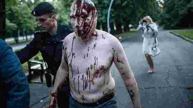 У Москві затримали учасника «Маршу ватників» у масці  «закривавленого» Путіна (фото)