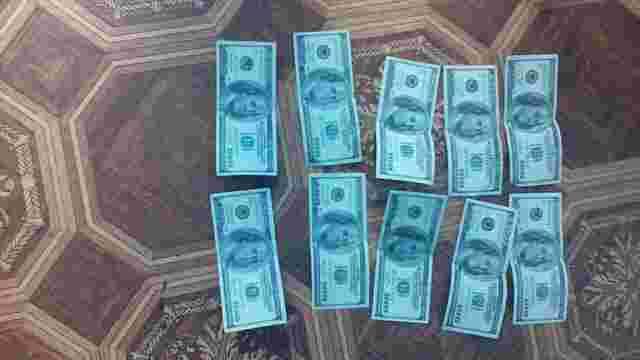 На хабарі у $3 тис. затримали прокурора Бродівського району