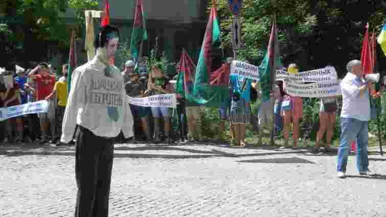 «Правий сектор» у Запоріжжі розігнав мітинг руху «Сила нації» (відео)