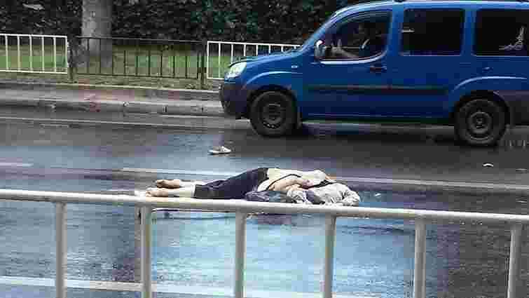 У Львові вантажівка на смерть збила жінку