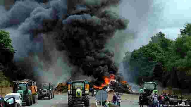 Французькі фермери заблокували дороги на кордоні з Німеччиною