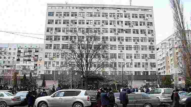 Співробітник Апеляційного суду в Одесі викинувся з даху будівлі