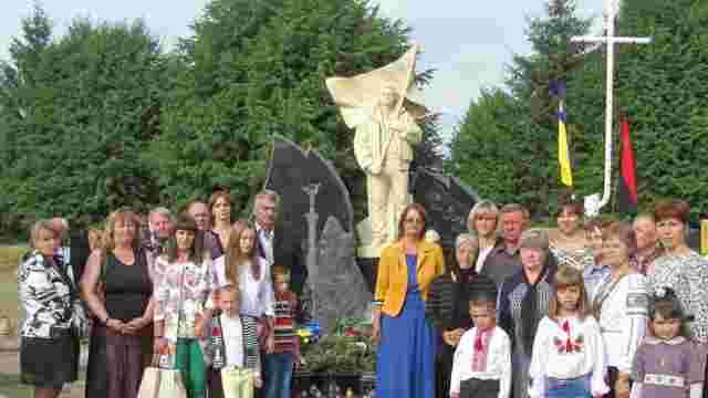 На Львівщині встановили пам'ятник на честь Героя Небесної сотні