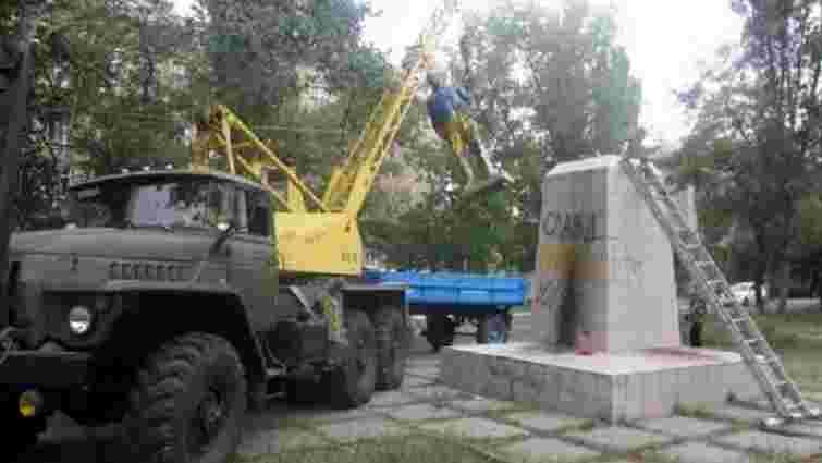 На Луганщині демонтували пам'ятник Леніну