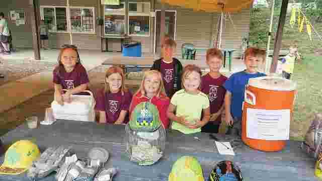 Діти у США продавали лимонад, щоб допомогти українським військовим