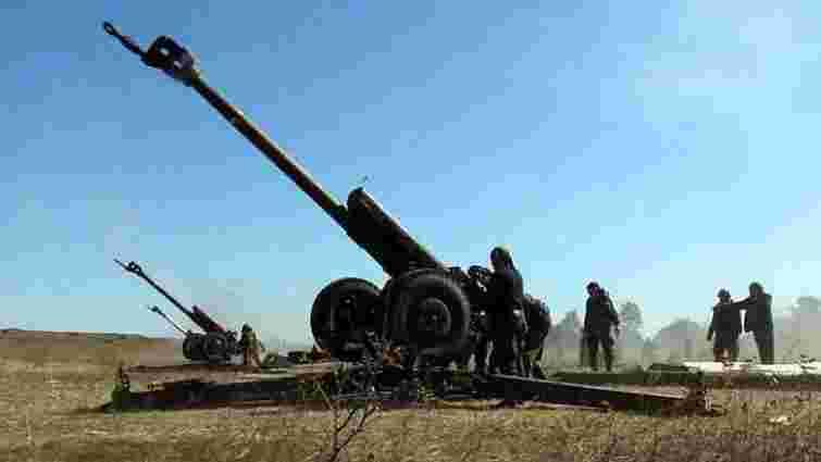 Бойовики обстрілюють українських бійців з «відведеного» озброєння, - штаб АТО