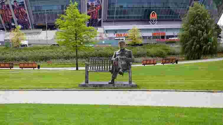 У парку «Донбас Арени» планують встановити скульптуру Мірчи Луческу