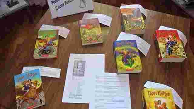 У «ДНР» святкували 50-річчя Джоан Ролінг з книгами А-Ба-Ба-Га-Ла-Ма-Ги