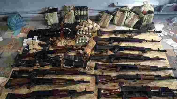 86 автоматів і 173 гранатомети вилучили на Донеччині