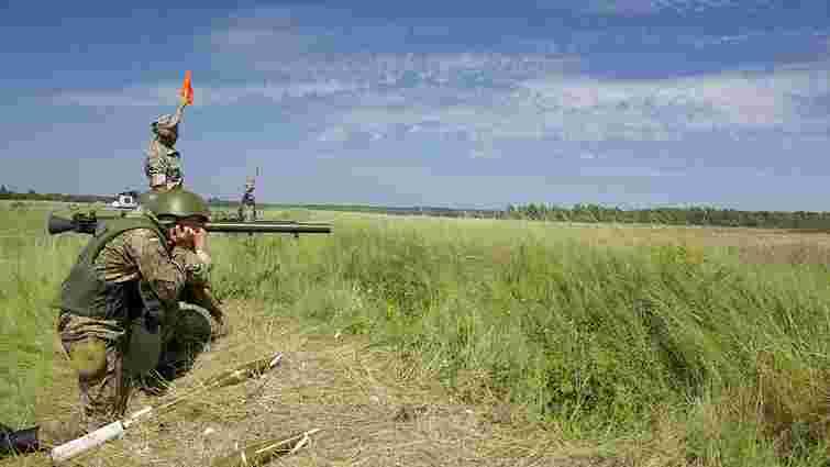 Артилеристи на Яворівському полігоні вчаться стріляти з «Гвоздик» та «Акацій»