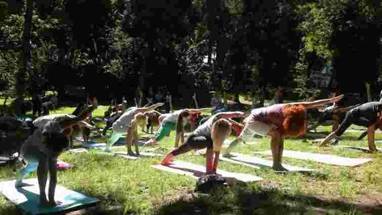 У центрі Львова проведуть 2 безкоштовних майстер-класи з йоги
