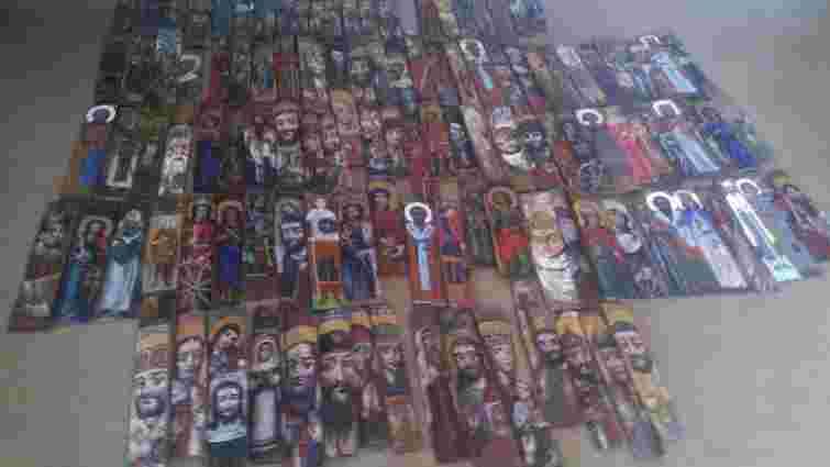 Львівські художники відкрили виставку ікон у Слов'янську