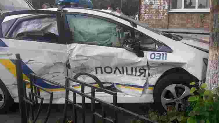 У Києві розбилося авто патрульних поліцейських