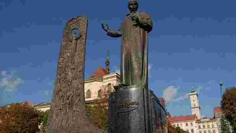 Пам'ятник Шевченкові у Львові відновлять до кінця вересня